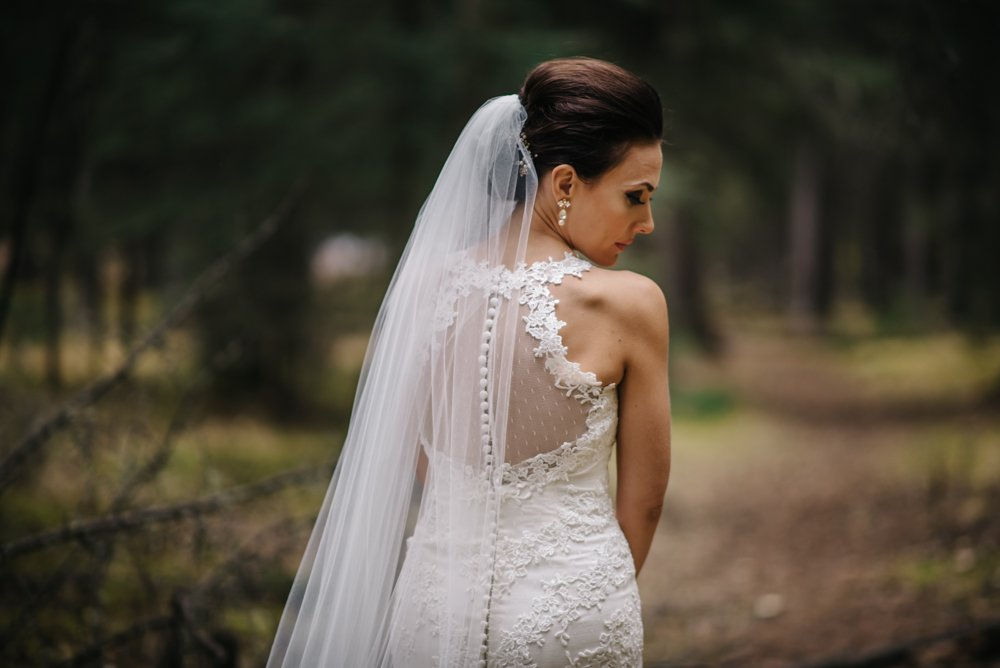 bridal portraits in Banff
